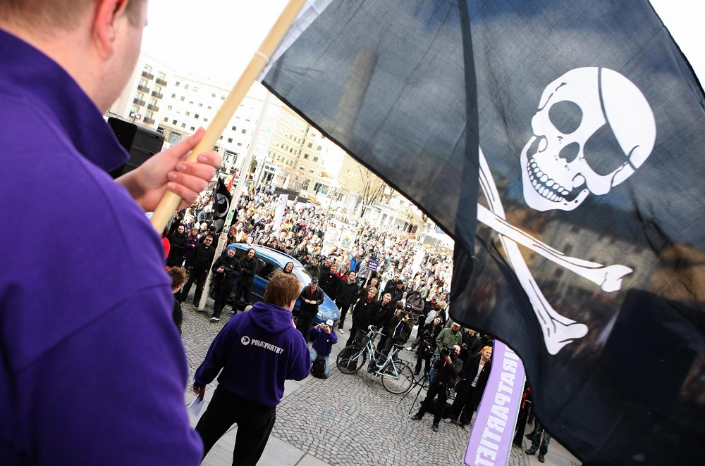 UK ISPs To Send Warnings to Suspected Pirates